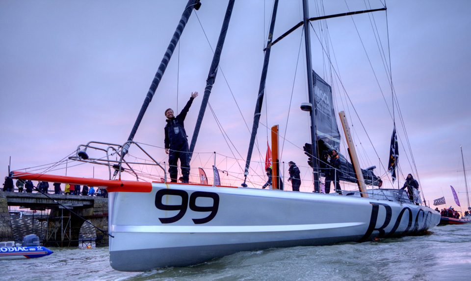 By finishing his single-handed, non-stop round-the-world race without assistance on Wednesday morning in 80 days, 19 hours, 23 minutes and 43 seconds, Alex Thomson (HUGO BOSS) has become the fastest British sailor on that route.