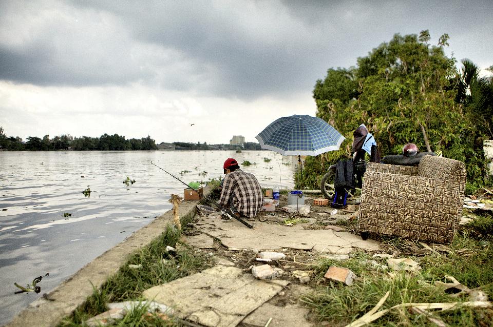 Vietnam,  officially the Socialist Republic of Vietnam (Cộng hòa Xã hội chủ nghĩa Việt Nam).<br /> Ho Chi Minh City (Thành phố Hồ Chí Minh),  formerly named Saigon (Sài Gòn), is the largest city in Vietnam.